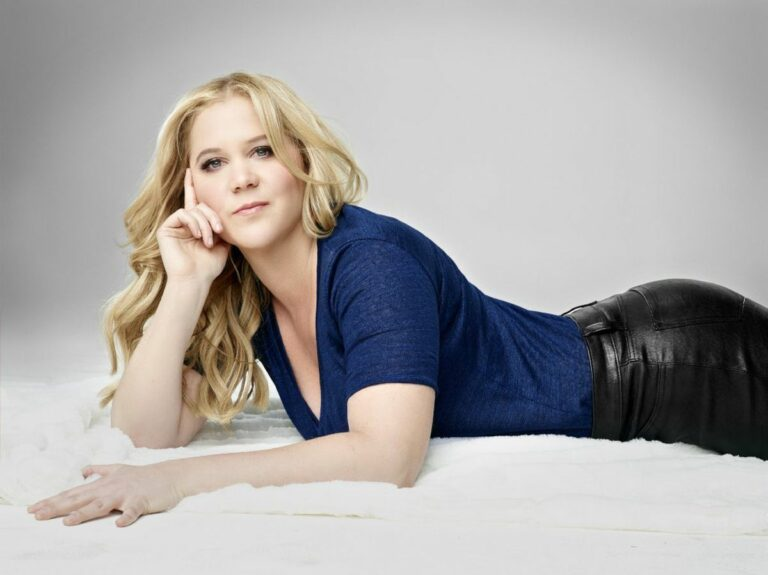 Amy Schumer cover photo